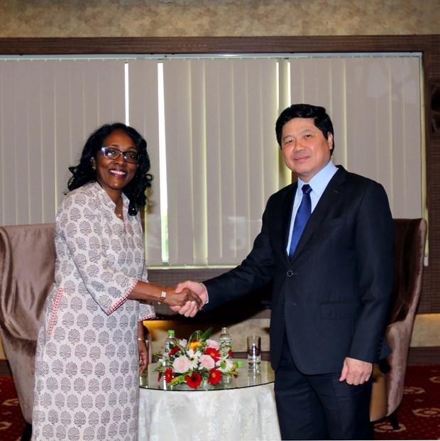 FAO promete apoyo continuo a Vietnam hinh anh 1
