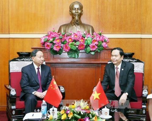 Organizaciones de masas de Vietnam y China intensifican nexos de cooperacion hinh anh 1