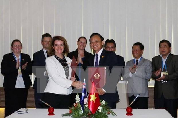 Vietnam y Australia suscriben memorando contra pesca ilegal hinh anh 1