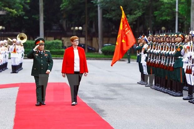 Ministros de Defensa de Vietnam y Australia intercambian sobre cooperacion bilateral hinh anh 1