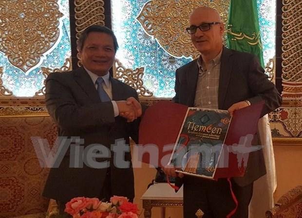 Vietnam busca robustecer vinculos comerciales con localidades argelinas hinh anh 1