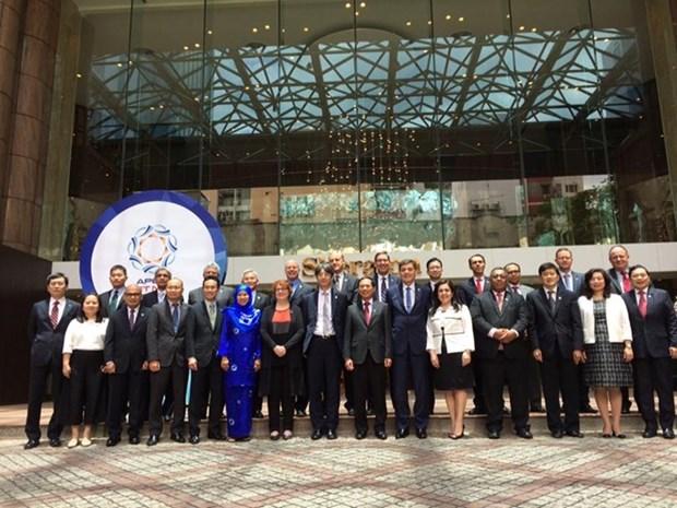 Debaten en tercera reunion de altos funcionarios temas cruciales del APEC hinh anh 1