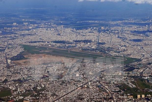 Empresas britanicas desean participar en proyecto del aeropuerto Tan Son Nhat hinh anh 1