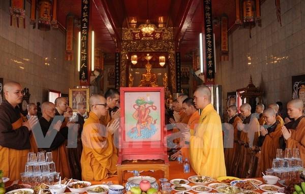 Efectuan en Tailandia fiesta budista Vu Lan para expresar la gratitud filial hinh anh 1