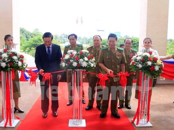 Exposicion resalta nexos Vietnam-Laos en seguridad publica hinh anh 1