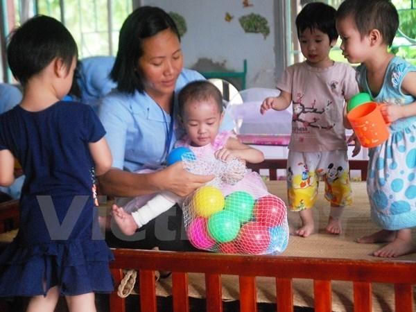 Destinan fondos para mejorar servicios educacionales en provincia vietnamita hinh anh 1