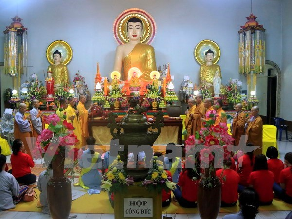 Vietnamitas en Laos celebran ceremonia budista de Vu Lan hinh anh 1