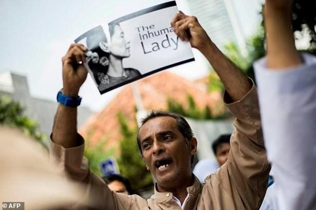 Reportan ataque con bomba a la embajada de Myanmar en Indonesia hinh anh 1
