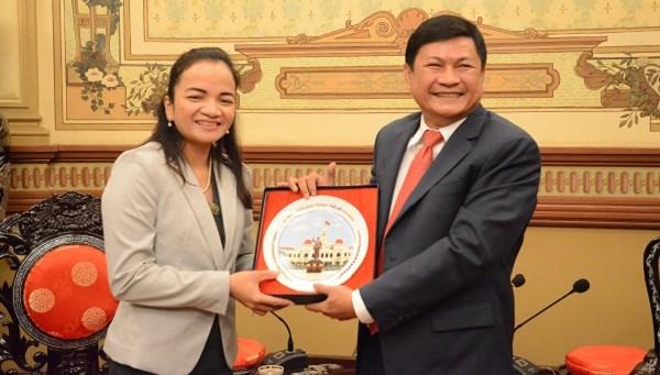 Ciudad Ho Chi Minh y Phnom Penh fortalecen conectividad turistica hinh anh 1
