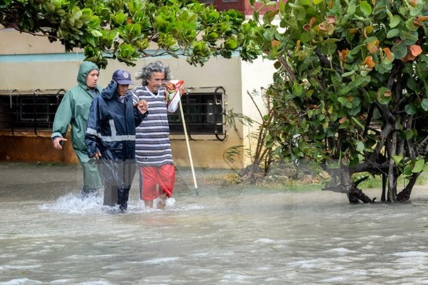 Vietnam expresa solidaridad con Cuba ante paso del huracan Irma hinh anh 1