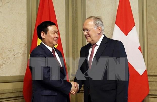Suiza aspira a impulsar relacion economica con Vietnam hinh anh 1