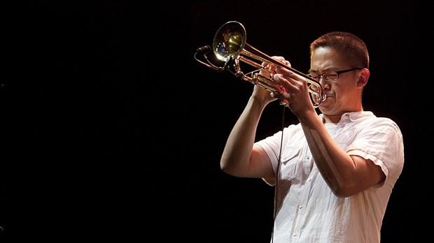 Trompetista Cuong Vu, ganador de premios Grammy actuara en Vietnam hinh anh 1