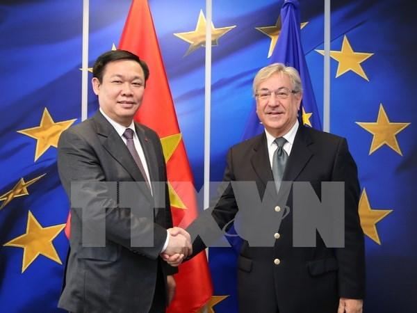 Vicepremier de Vietnam cumple agenda apretada en Belgica hinh anh 3