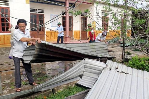 Recaudan fondos a favor de personas afectadas por desastres naturales en Vietnam hinh anh 1