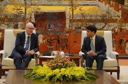 Hanoi adquiere experiencias de Dinamarca en la solucion de polucion y atascos hinh anh 1
