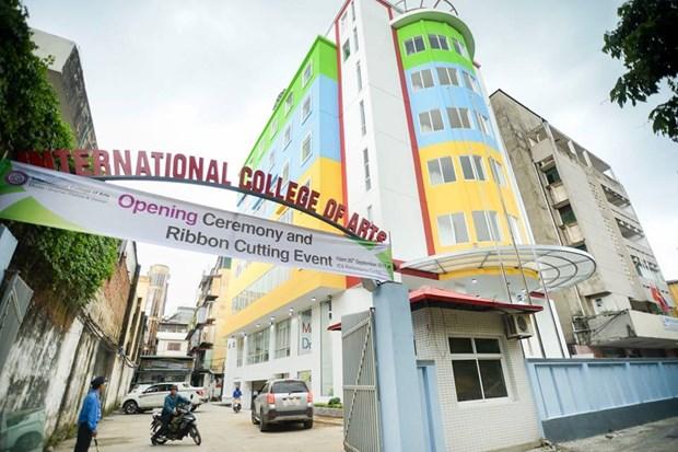 Inauguran Colegio Internacional de Artes en Hanoi hinh anh 1