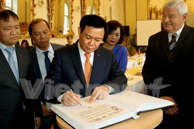 Vietnam y Eslovaquia promueven cooperacion hinh anh 1