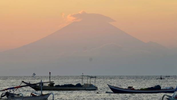Indonesia eleva nivel de alerta del volcan en Bali hinh anh 1