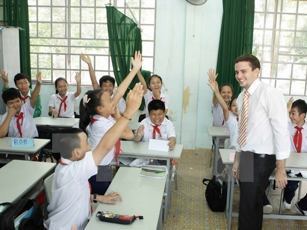 Vietnam busca mejorar calidad de educacion primaria y secundaria hinh anh 1
