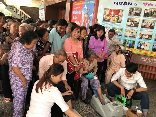Vietnam concede importancia a la atencion sanitaria de los ancianos hinh anh 1