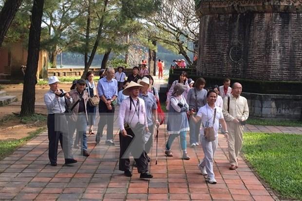 Mas de 9,4 millones de turistas visitan Vietnam en primeros nueve meses de 2017 hinh anh 1