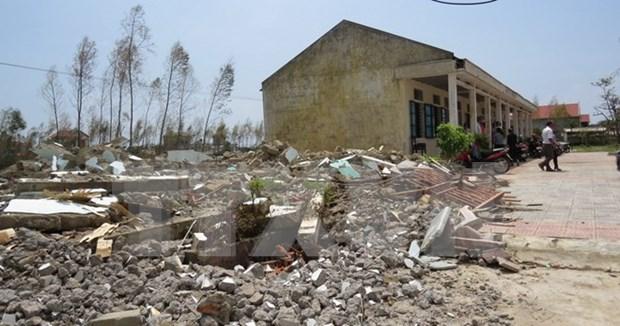 Vicepresidenta vietnamita entrega ayudas a los afectados por el tifon Doksuri hinh anh 1
