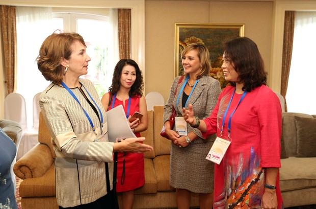 Celebran en Vietnam dialogo publico-privado del APEC sobre mujer y economia hinh anh 1