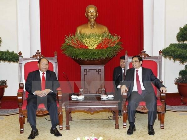 Alto funcionario del PCV recibe a ministro del Interior de Laos hinh anh 1