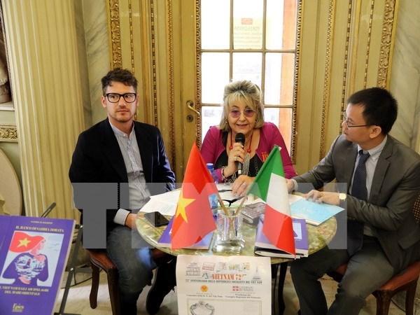 Presentan en Roma libro de autora italiana sobre soberania de Vietnam en Mar del Este hinh anh 1