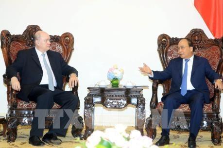 Vietnam estimula a sus empresas a invertir en Cuba, afirma premier Xuan Phuc hinh anh 1