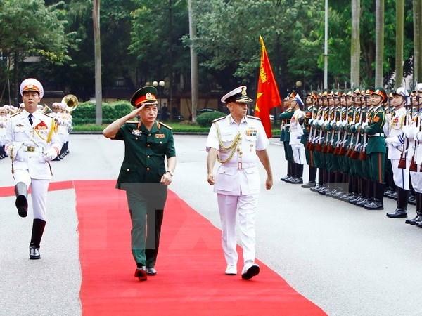 Presidente del Comite de Jefes de Estado Mayor de India visita Vietnam hinh anh 1