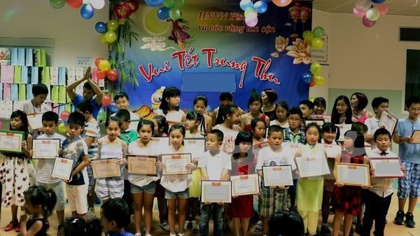 Celebran en localidades vietnamitas Fiesta del Medio Otono para ninos desfavorecidos hinh anh 1