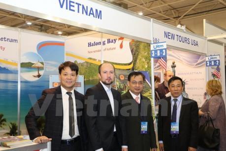 Destacado pabellon de Vietnam en XXIV Exposicion Internacional de Turismo en Ucrania hinh anh 1