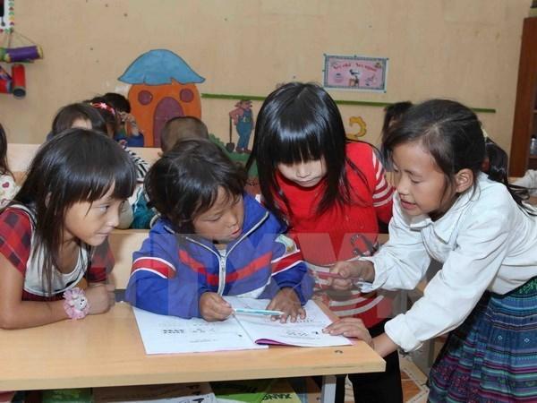 Organizacion noruega ayuda a minorias etnicas de Vietnam a desarrollar su lenguaje escrito hinh anh 1