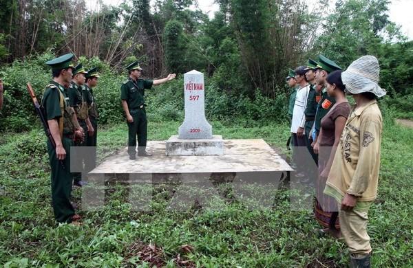 Vietnam fortalece propaganda de leyes en zonas fronterizas hinh anh 1