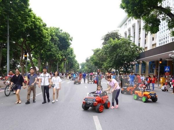Hanoi amplia area peatonal en fines de semana hinh anh 1