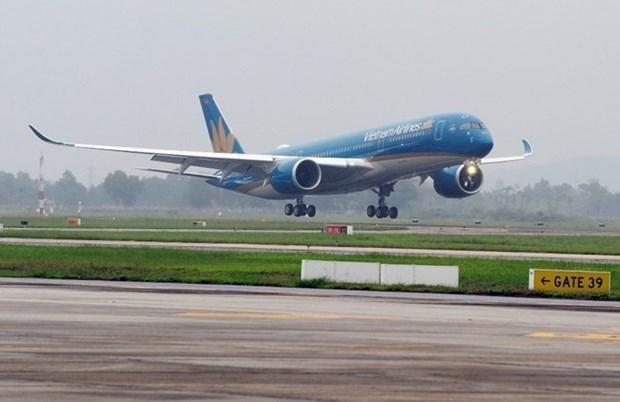 Vietnam Airlines ajusta horarios de vuelos a Hong Kong (China) por tifon Khanun hinh anh 1