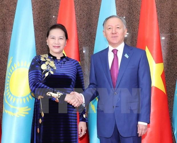 Maxima legisladora de Vietnam dialoga con titular de Camara Baja de Kazajstan hinh anh 1