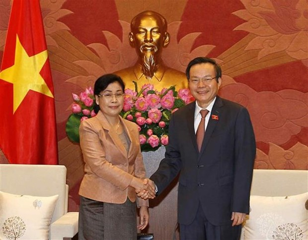 Vicepresidente del Parlamento de Vietnam recibe a jefa de Auditoria Estatal de Laos hinh anh 1