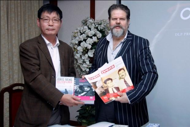 Entidades holandesas entregan a Vietnam documentales de alto valor historico hinh anh 1