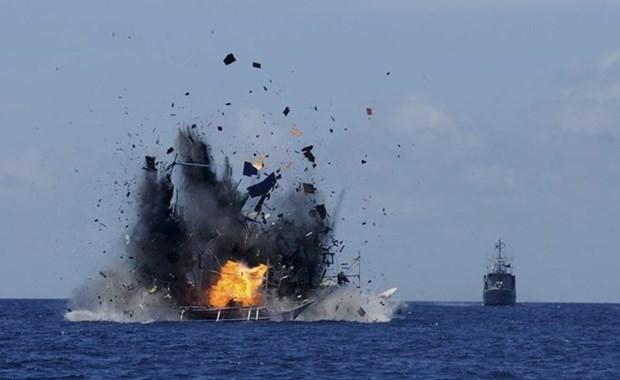 Indonesia hundira a barcos extranjeros con actividades iliticas por disuadir pesca ilegal hinh anh 1
