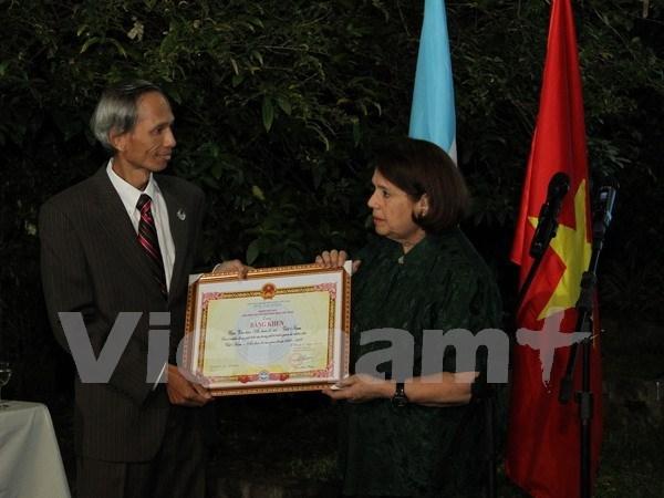 Celebran XX aniversario del Instituto de Cultura Argentino-Vietnamita hinh anh 1