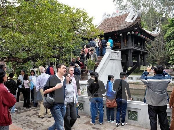 Vietnam avanza hacia meta de atraer 13 millones de turistas extranjeros en 2017 hinh anh 1