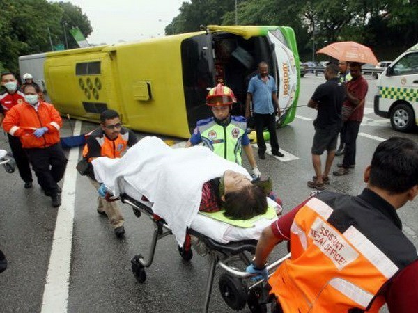 Malasia: Ocho muertos en accidente de transito multiple hinh anh 1
