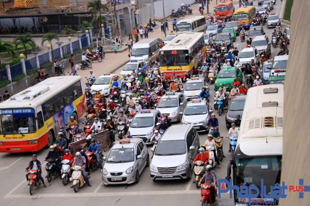 Belarus aspira a invertir en transporte publico y salud en Hanoi hinh anh 1