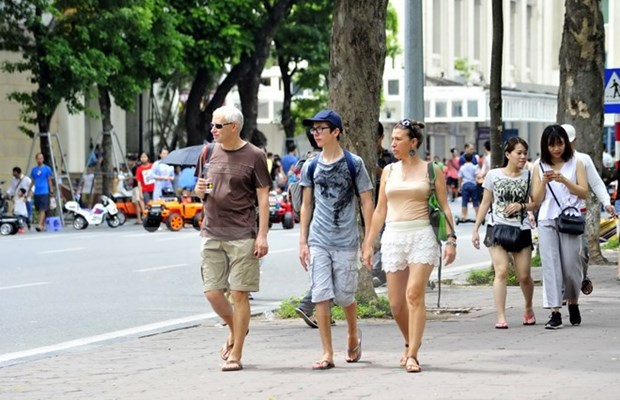 Vietnam recibe mas de un millon de turistas extranjeros en octubre hinh anh 1