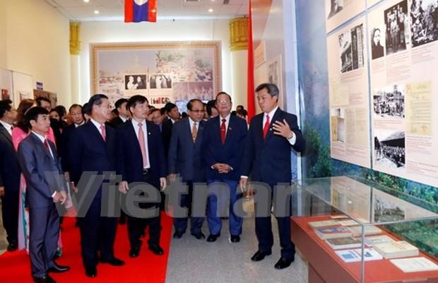 Exposicion fotografica resalta nexos de amistad Vietnam-Laos hinh anh 1