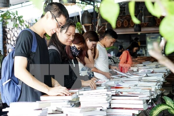 Obras rusas llenaran Calle de Libros en Ciudad Ho Chi Minh por centenario de Revolucion de Octubre hinh anh 1