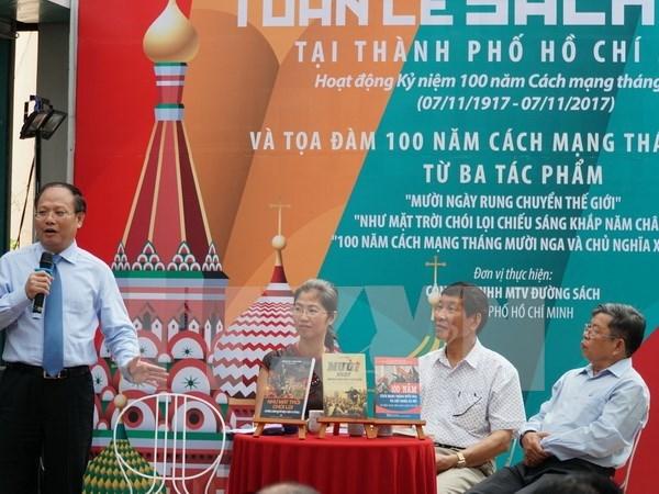 Presentan en Ciudad Ho Chi Minh libros por centenario de Revolucion de Octubre hinh anh 1