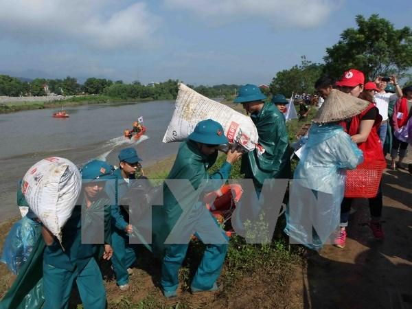 Premier vietnamita exige respuesta urgente a depresion tropical e inundaciones hinh anh 1